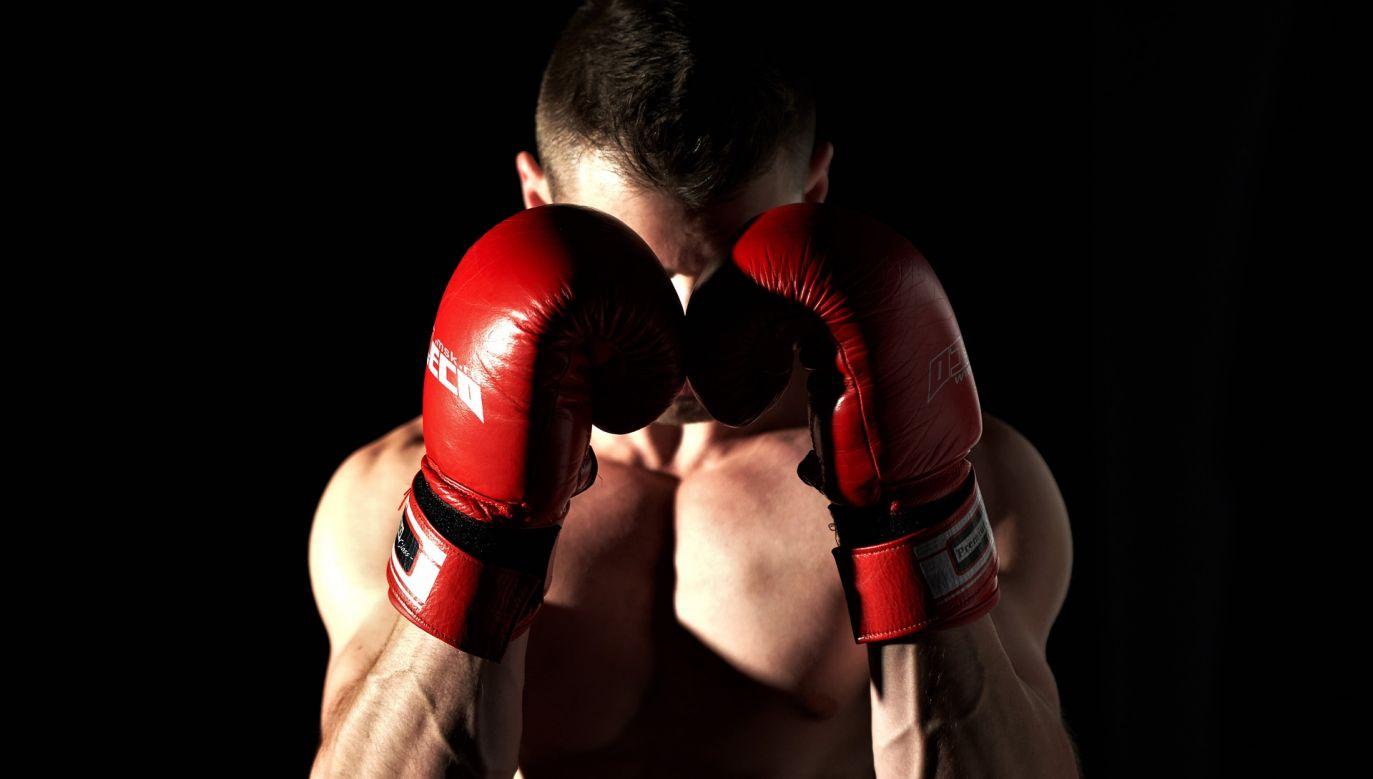 Trzecia zarażona osoba jest trenerem.(fot. pixabay.com/tixonov_valentin)
