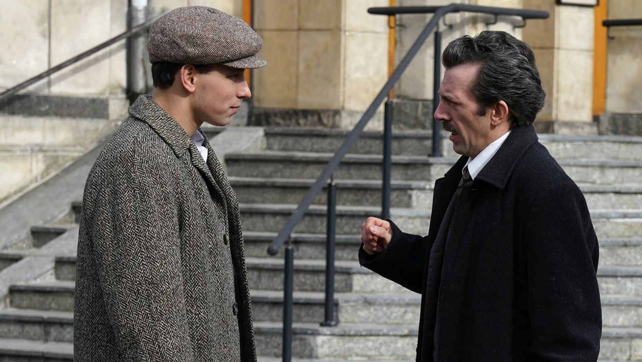 Piotr Głowacki odtwarza rolę Jana Tyranowskiego, który – po śmierci ojca Karola – staje się dla młodego Wojtyły mentorem (fot. A. Ciołek/TVP)