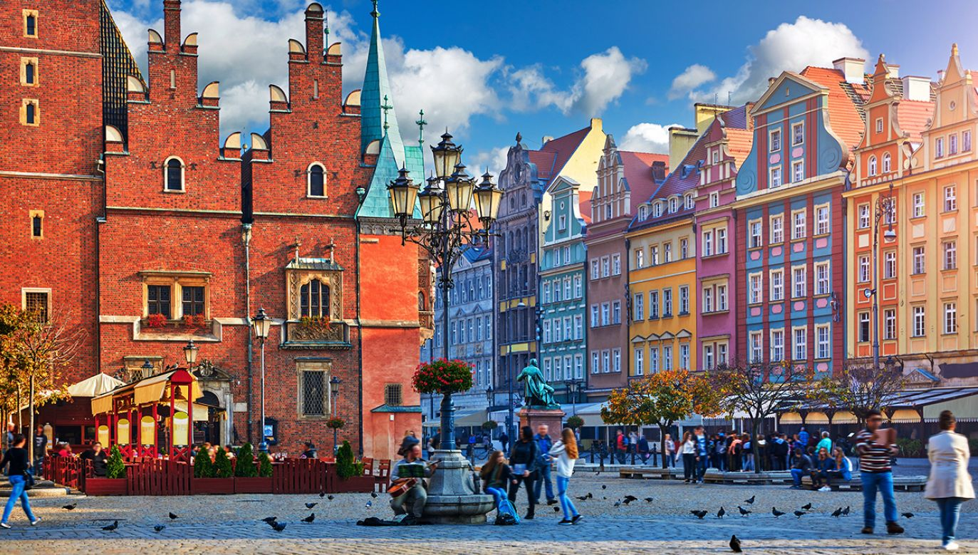 Coraz więcej Francuzów znajduje pracę we Wrocławiu (fot. Shutterstock/Yasonya)
