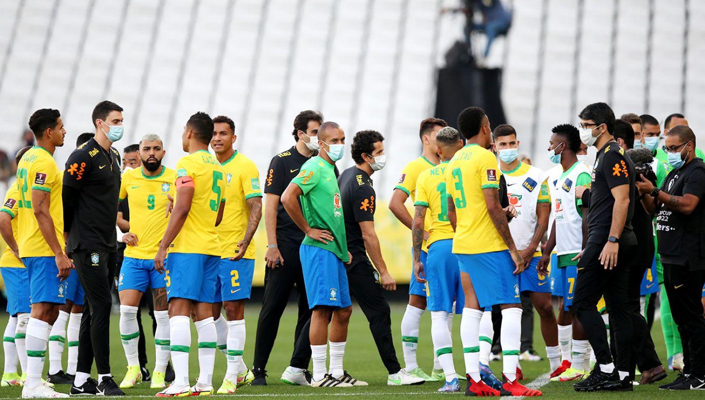 Mecz Brazylii z Argentyną został przerwany (fot. Alexandre Schneider/Getty Images)