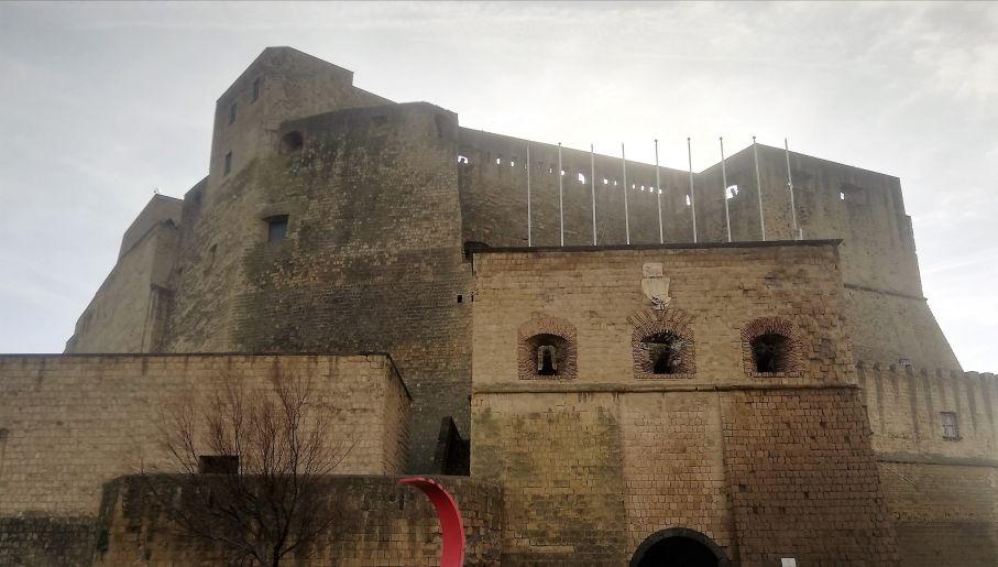 Zamek Jajeczny (Castel dell'Ovo) w Neapolu (fot. Agnieszka Wasztyl)