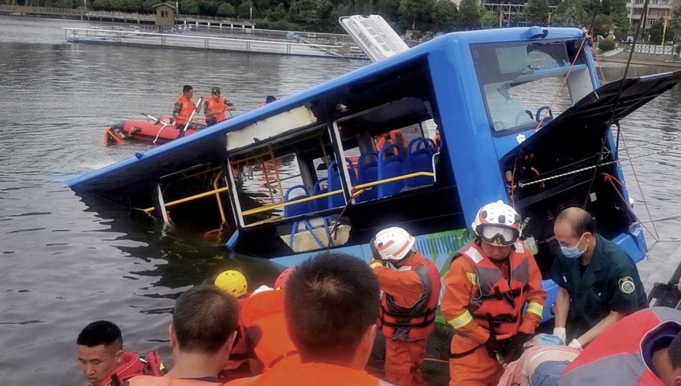 W autobusie było między innymi czworo uczniów (fot. PAP/EPA/STR)