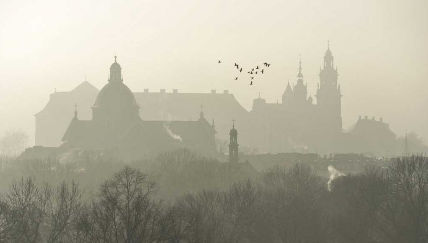 Smog nad Krakowem (fot. Artur Widak/NurPhoto via Getty Images)