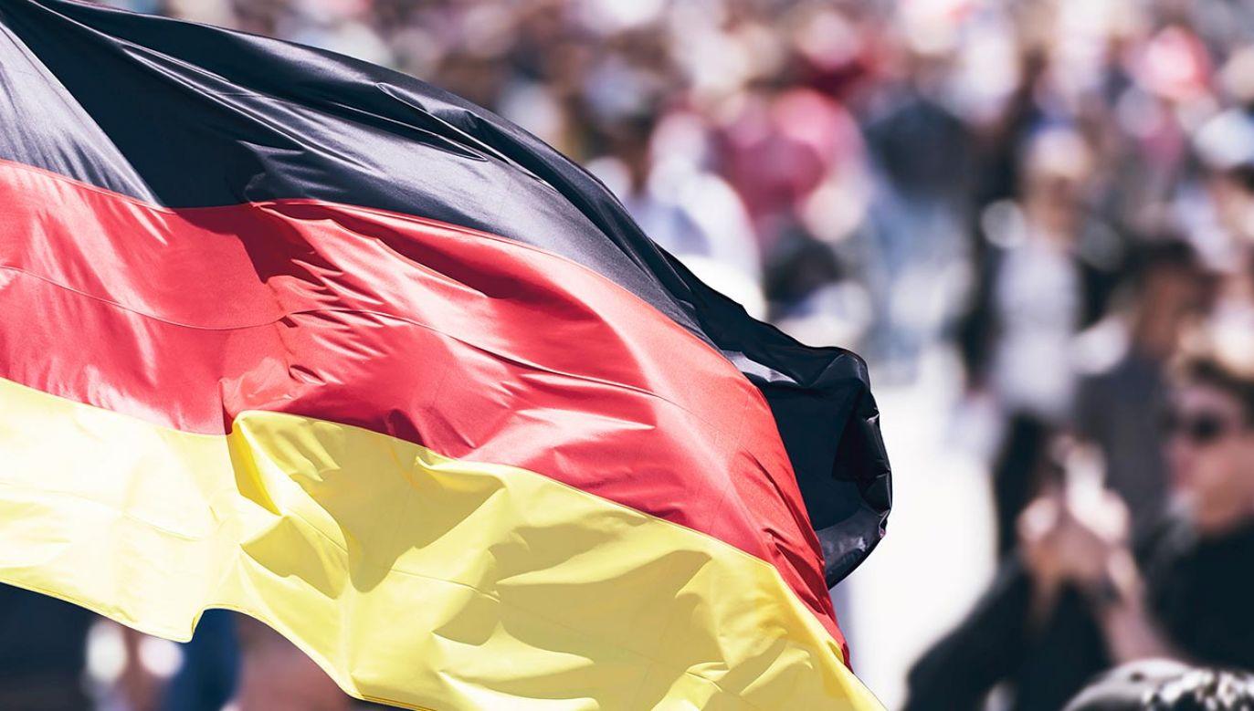 Sondaż opublikował ZDF Heute (fot. Shutterstock/Savvapanf Photo)