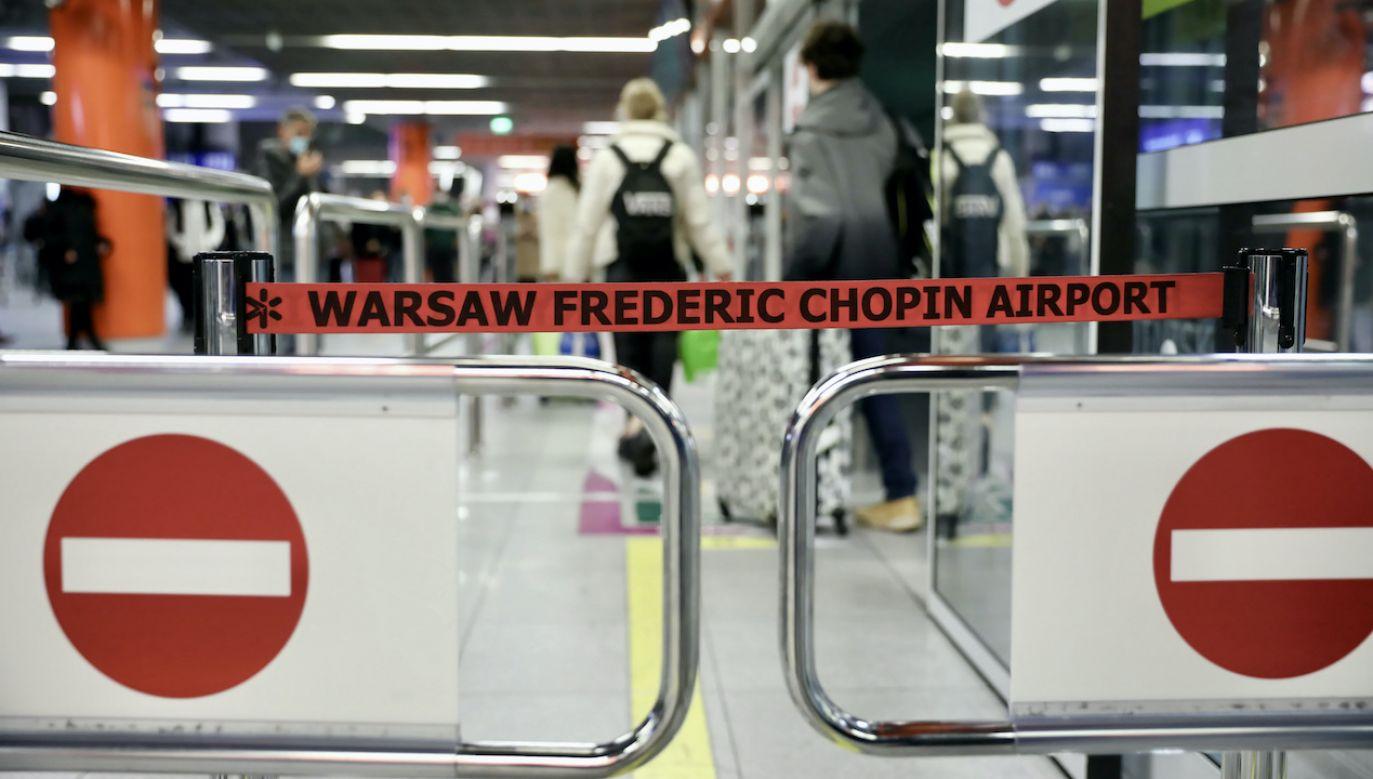 Jedna z ewakuowanych osób to czeski dyplomata. (fot. arch.PAP/Leszek Szymański)