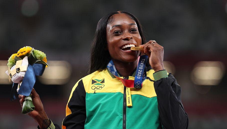 Elaine Thompson-Herah nie miała sobie równych na dystansach sprinterskich. (fot. Getty)