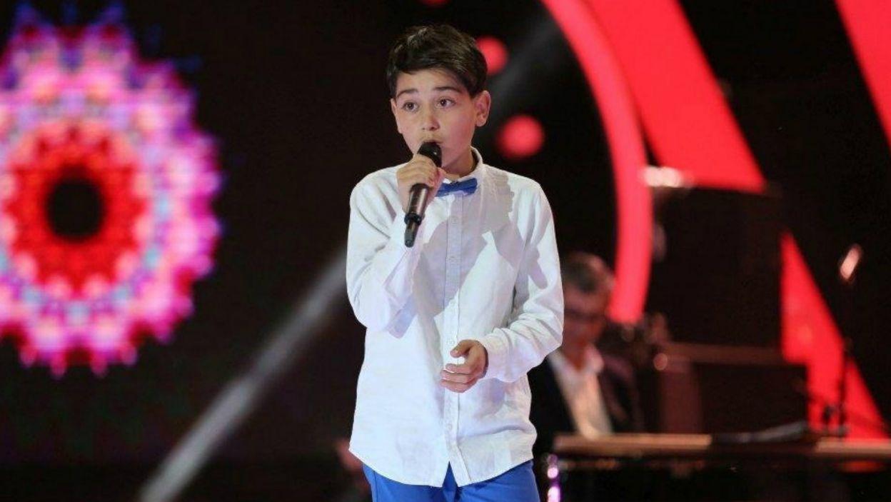 13-letni Giorgi Rostiashvili ma przed sobą duże wyzwanie. Gruzja już trzy razy stawała na najwyższym podium w konkursie Eurowizji Junior. Czy młody piosenkarz spełni oczekiwania Gruzinów? (fot. GPB)