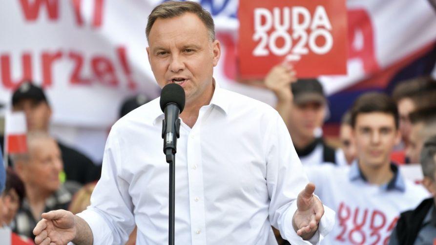 """Prezydent odniósł się do publikacji gazety """"Fakt"""" (fot. PAP/Maciej Kulczyński)"""