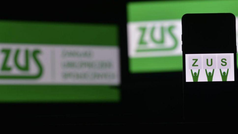 Prezes ZUS zachęciła do składania wniosków elektronicznie za pomocą Platformy Usług Elektronicznych (fot. Cezary Kowalski/SOPA Images/LightRocket via Getty Images)