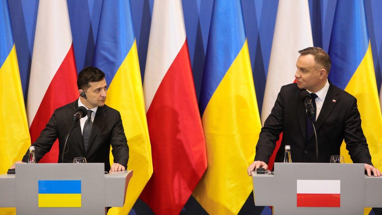 Wspólna konferencja prezydentów Polski i Ukrainy w trakcie wizyty prezydenta Wołodymyr Zełenskiego w Polsce (fot. Filip Radwanski/SOPA Images/LightRocket via Getty Images)
