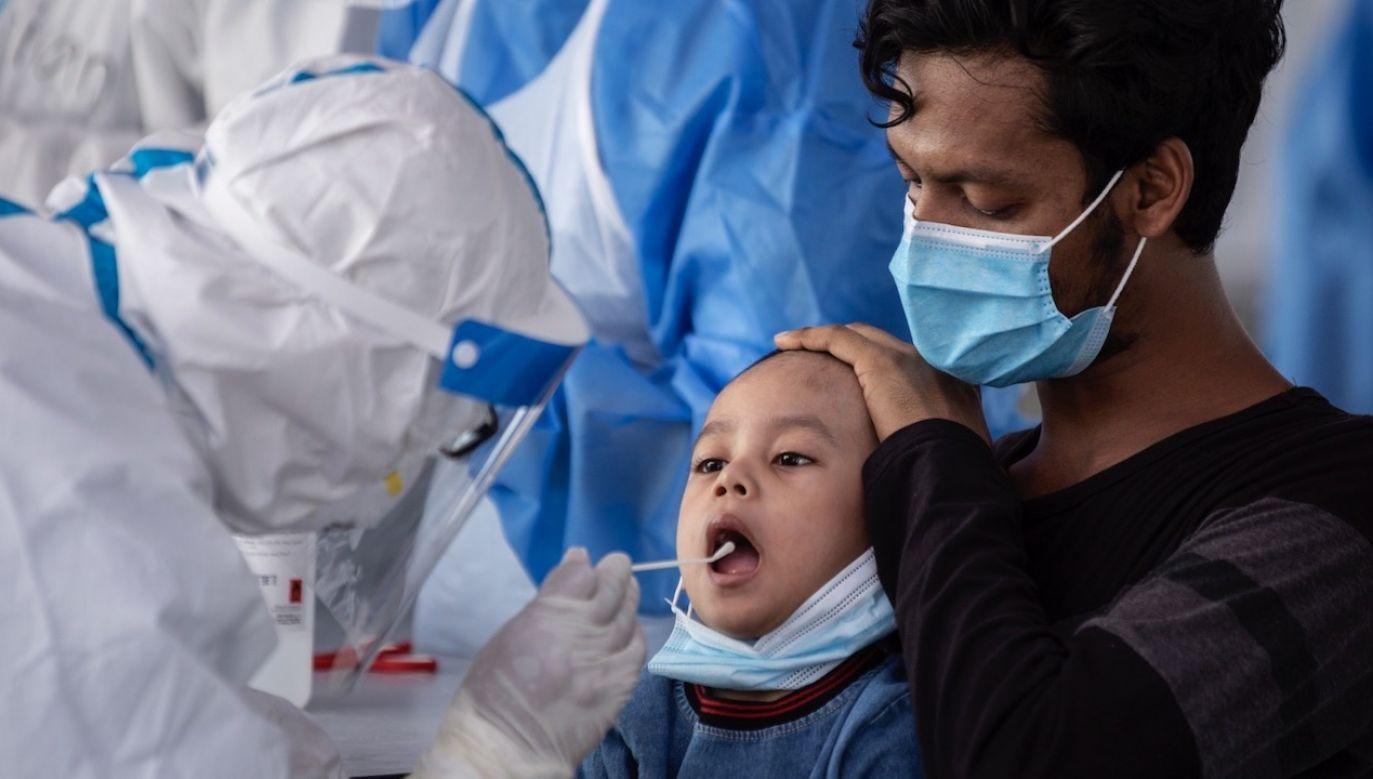 Dzieci są największą tajemnicą tej pandemii (fot. PAP/EPA/AHMAD YUSNI)