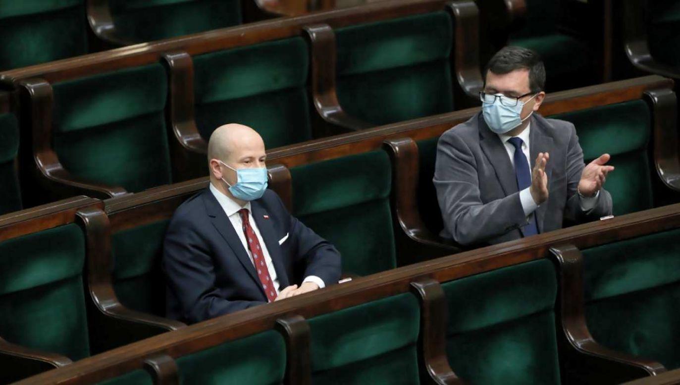 Gowin: Oczekujemy że koalicja Zjednoczonej Prawicy poprze ewentualnego kandydata Porozumienia na RPO. Na zdjęciu wybór RPO w Sejmie (fot. PAP/Wojciech Olkuśnik)