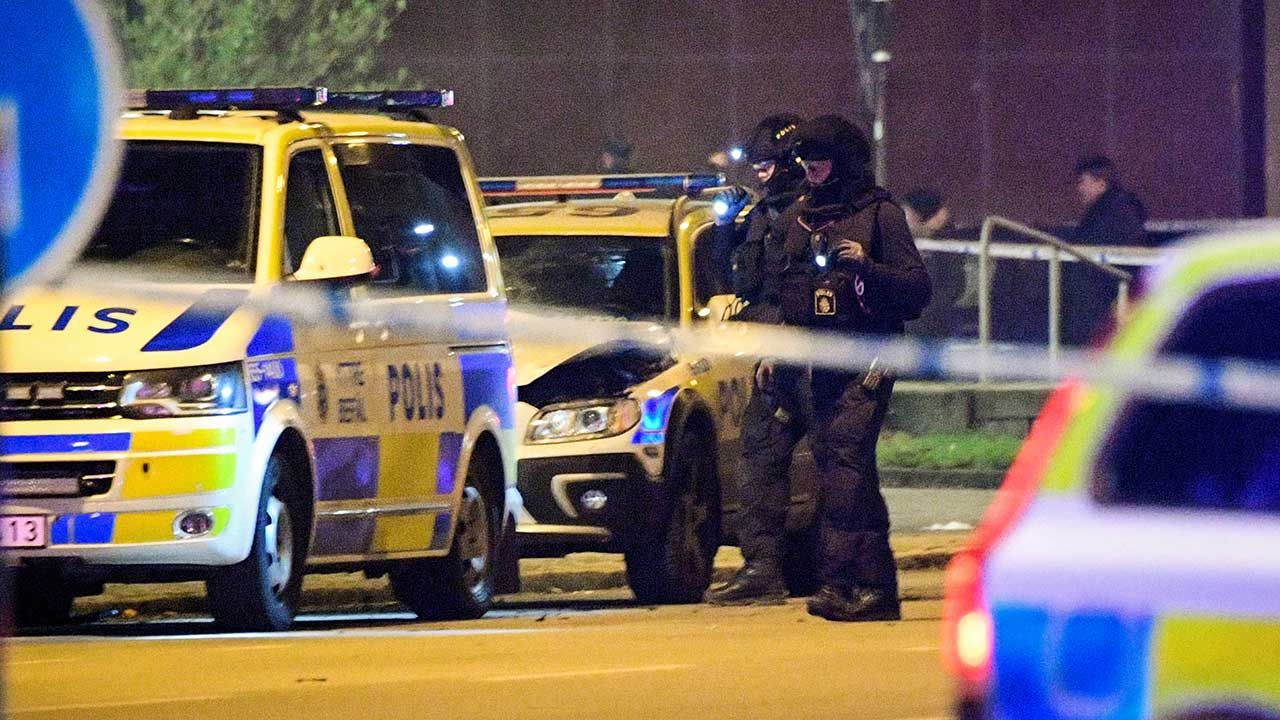 Szwedzka policja przeprowadziła kilka operacji antyterrorystycznych (fot. REUTERS/TT News Agency/Johan Nilsson)