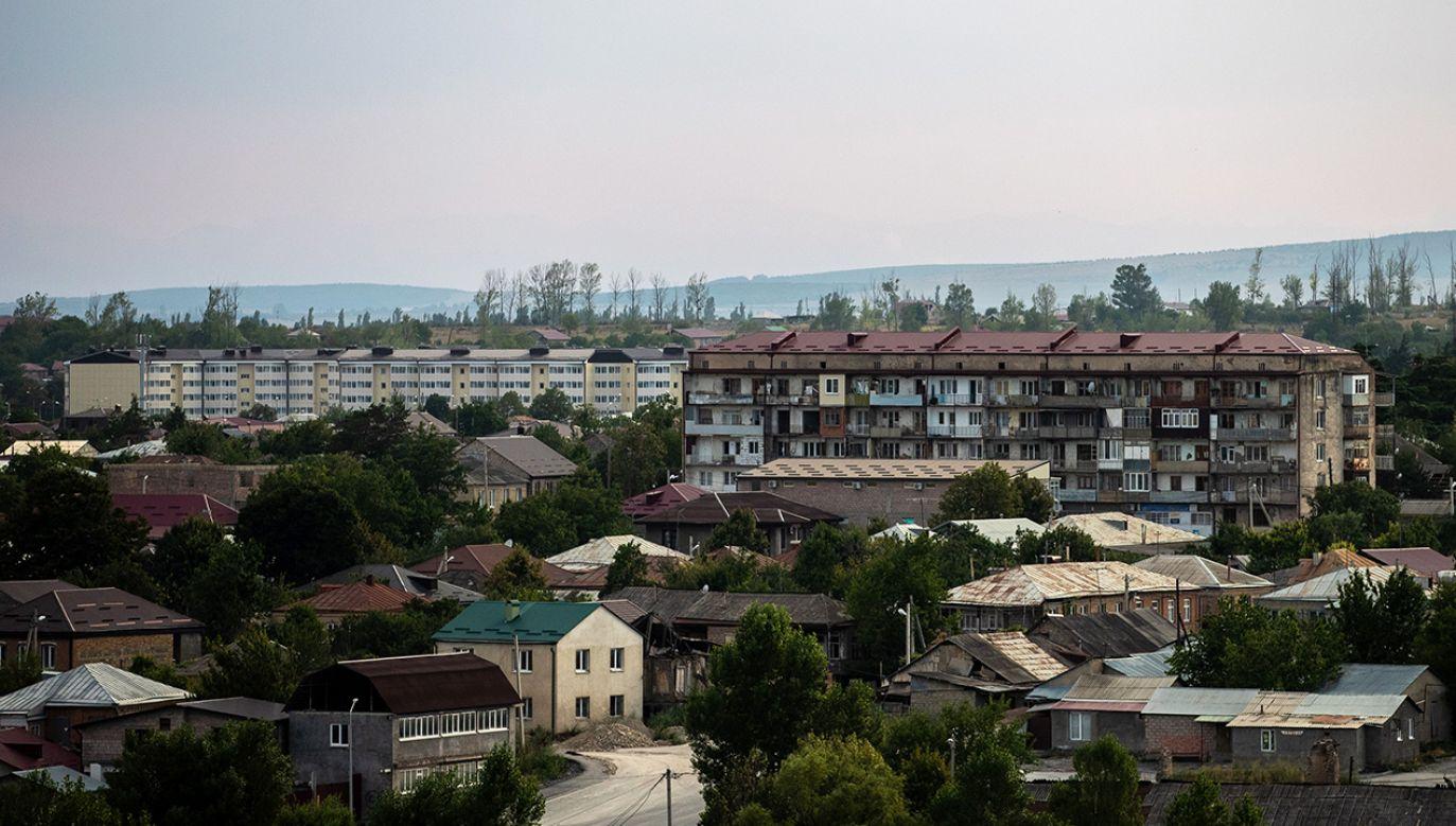 Moskwa wspiera miejscowych separatystów i utrzymuje w Osetii Południowej wielotysięczny kontyngent wojskowy (fot. Sergei Bobylev\TASS via Getty Images)