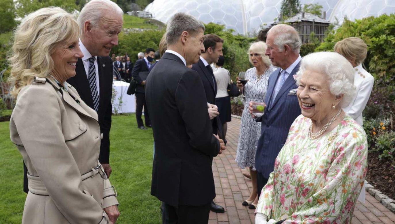 Na przyjęcie wydane dla przywódców G7 w Kornwalii przybyła królowa Elżbieta II  (fot. PAP/EPA/ANDREW PARSONS/DOWNING STREET)