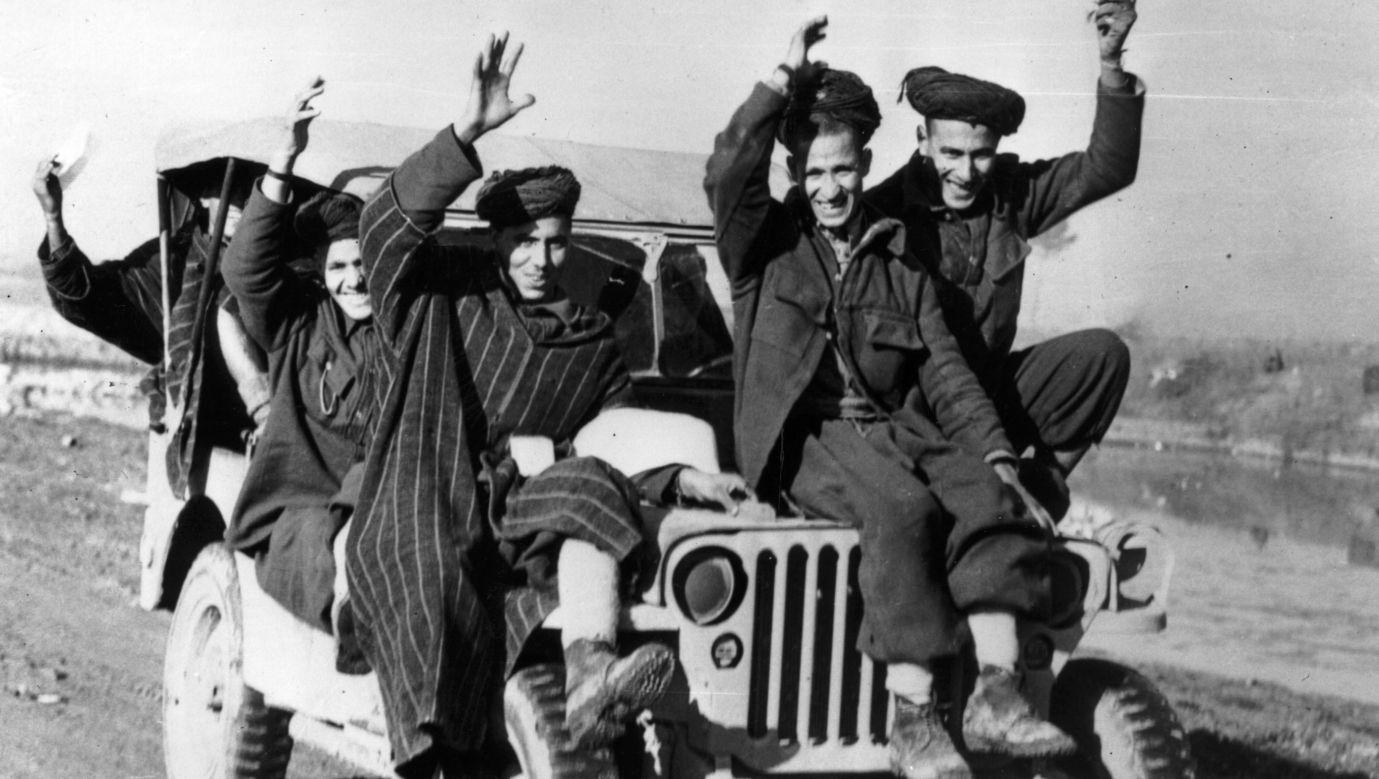 1 czerwca 1944 roku, żołnierze z francuskich oddziałów operujących w rejonie Cassino. Fot. Keystone/Getty Images