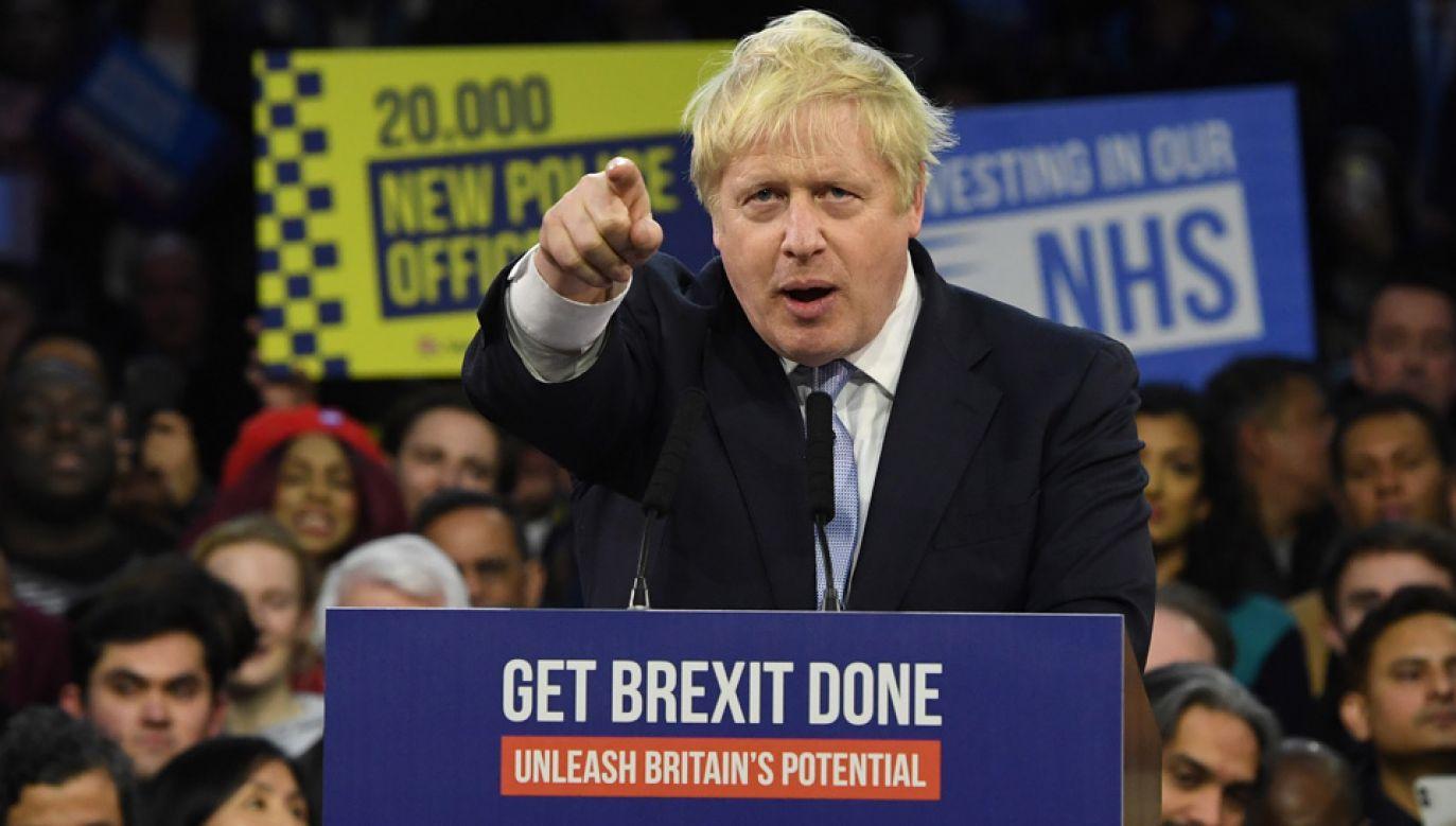 Boris Johnson walczy o ponowny wybór na urząd premiera (fot. PAP/EPA/FACUNDO ARRIZABALAGA)