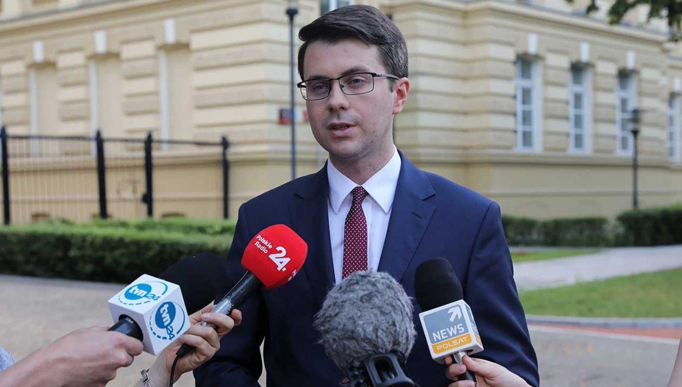 Złożenie projektu ustawy w sprawie rozdzielenia funkcji ministra sprawiedliwości i prokuratora generalnego zapowiedział w środę szef PO Grzegorz Schetyna (fot. PAP/Tomasz Gzell)