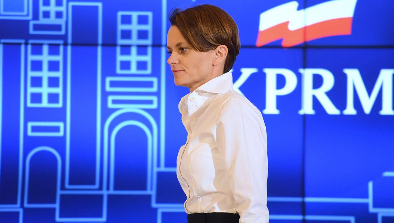 """Jadwiga Emilewicz zaprzecza, by jej propozycja miała być """"lansowaniem się"""" z właścicielami restauracji (fot. PAP/Piotr Nowak)"""