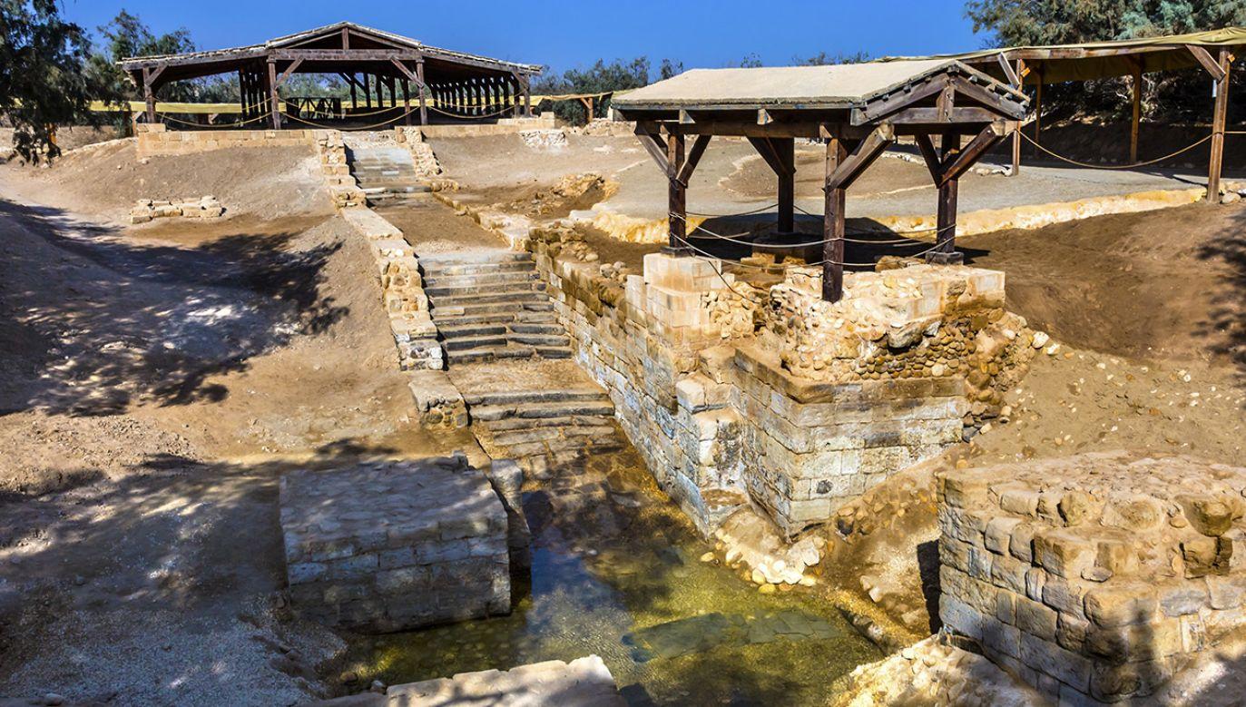 Nowa ustawa umożliwia zagospodarowanie ziem przylegających do miejsca, gdzie, jak mówi tradycja, dokonał się chrzest Chrystusa (fot. Shutterstock)