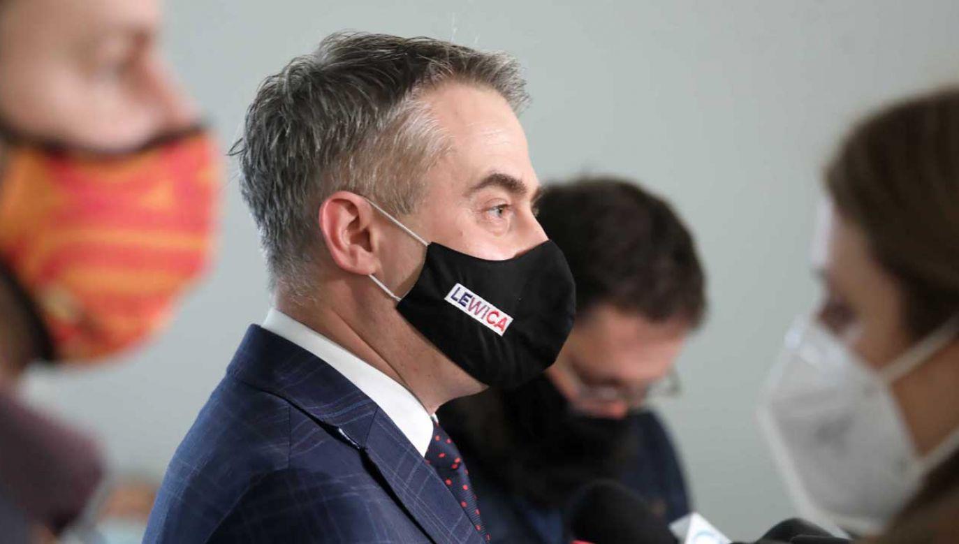 Krzysztof Gawkowski o programie PiS (fot. PAP/Tomasz Gzell)
