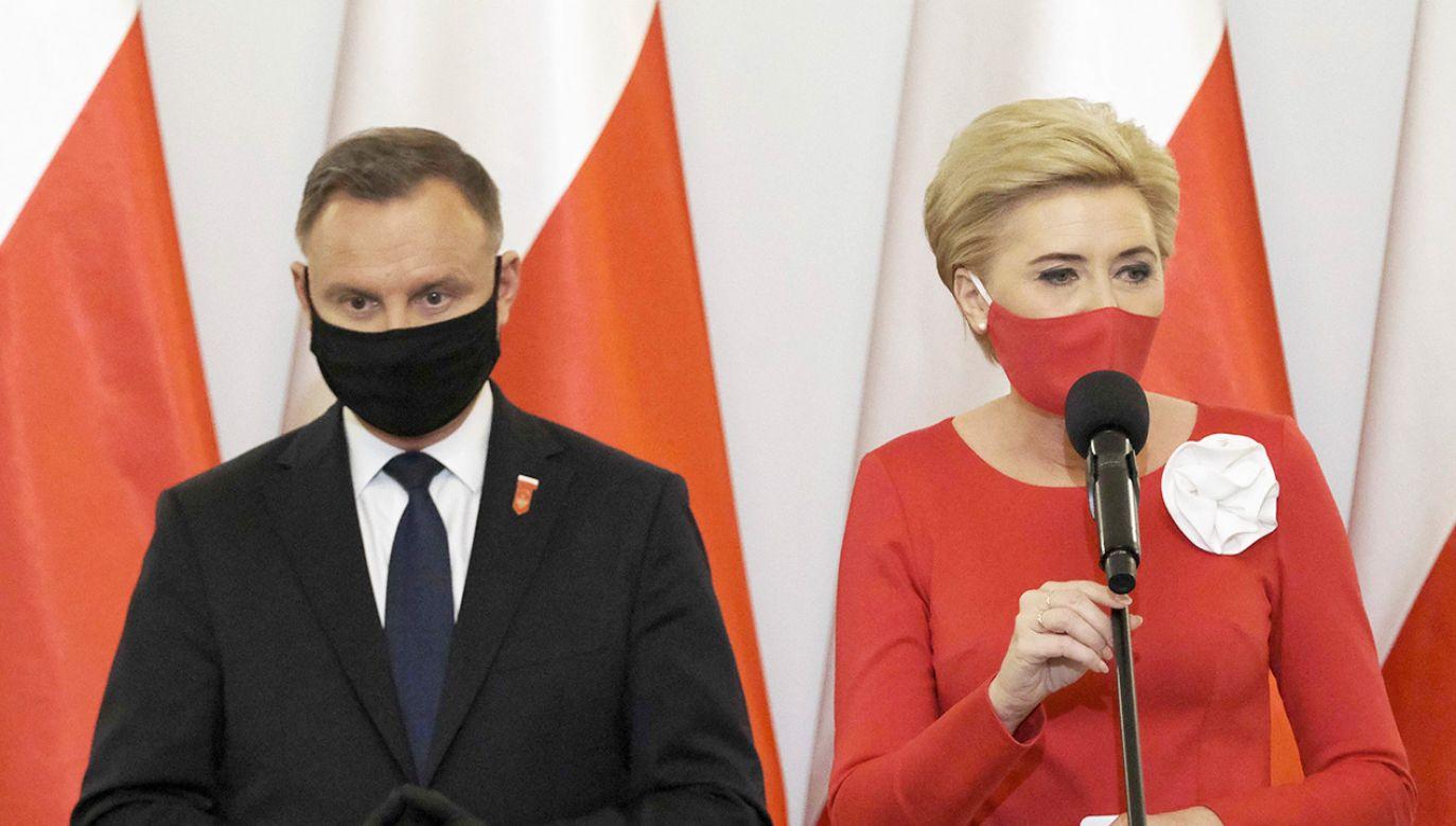 Para prezydencka złożyła życzenia pielęgniarkom i położnym (fot. PAP/Mateusz Marek)