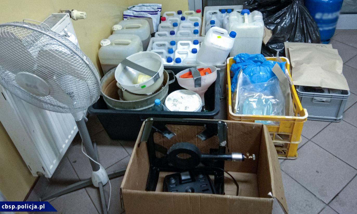 Laboratoria metamfetaminowe nie wyglądają zbyt okazale (fot. CBŚP)