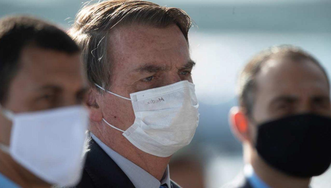 Przywódca Brazylii Jair Bolsonaro ogłosił rychły powrót do łask hydroksychlorochiny.   (fot. PAP/EPA/JOEDSON ALVES)