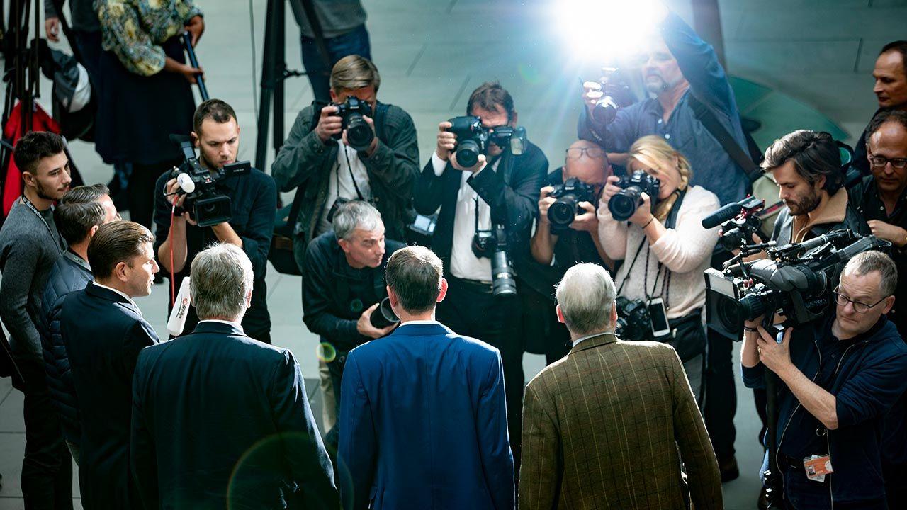 Historyk analizuje podejście niemieckich mediów do kwestii środków, jakie podjął polski rząd w walce z koronawirusem (fot.  Emmanuele Contini/NurPhoto via Getty Images)