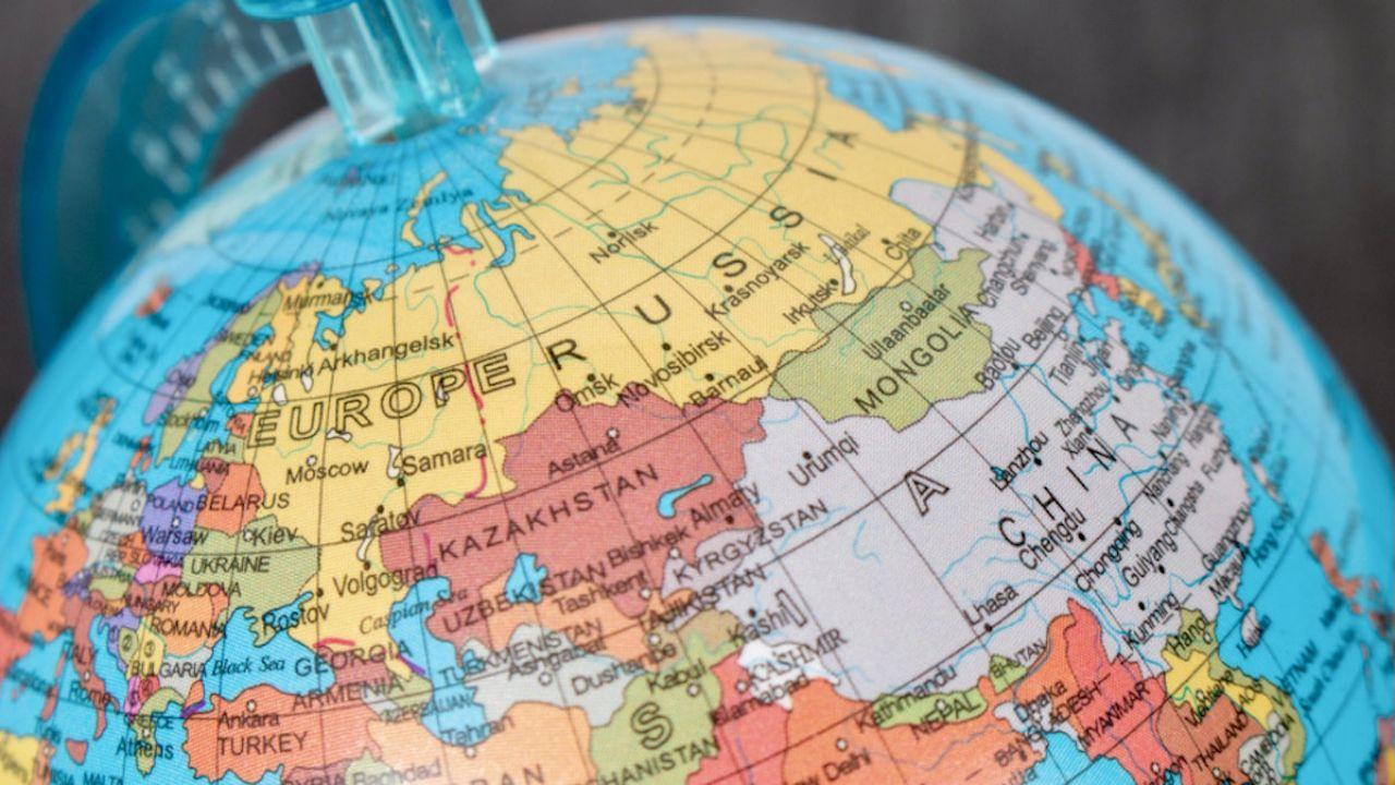 Stworzenie takiego atlasu Putin zaproponował już w 2018 roku (fot. Shutterstock/Artem Kontratiev)