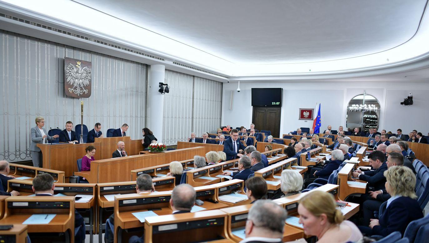 Teraz ustawa wróci do Sejmu (fot. PAP/Marcin Obara)