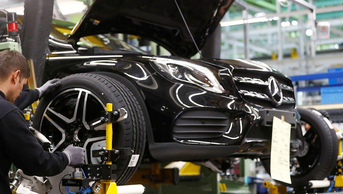 Z problemami zmaga się m.in. branża motoryzacyjna (fot. REUTERS/Kai Pfaffenbach)