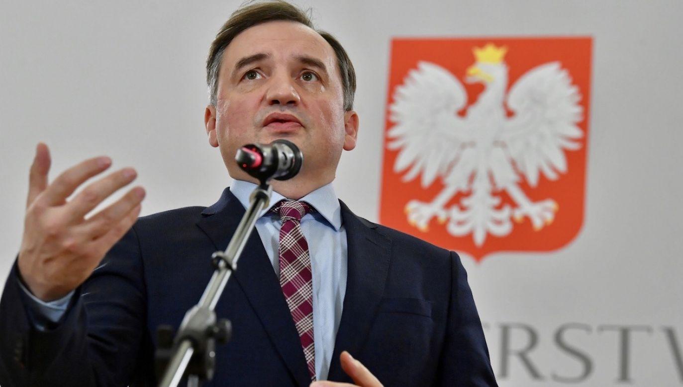 Zbigniew Ziobro zaznaczył, że Zjednoczona Prawica nie ogranicza się do obietnic (fot. PAP/Radek Pietruszka)