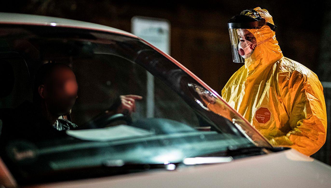 Do 26 marca pracownicy byli wyłączeni z kwarantanny (fot. Florian Gaertner/Photothek via Getty Images)