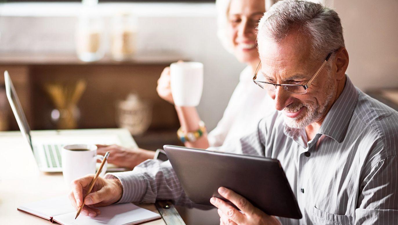 Według profesor Uścińskiej Polacy są coraz bardziej świadomi, że wysokość ich emerytury zależy od nich samych (fot. Shutterstock/Dmytro Zinkevych)