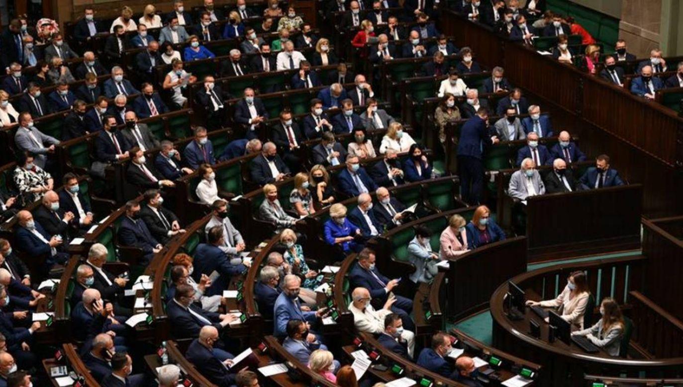 Badanie zostało przeprowadzone w dniach 27-30 sierpnia 2021 r. (fot. Kancelaria Sejmu/ Anna Strzyżak)