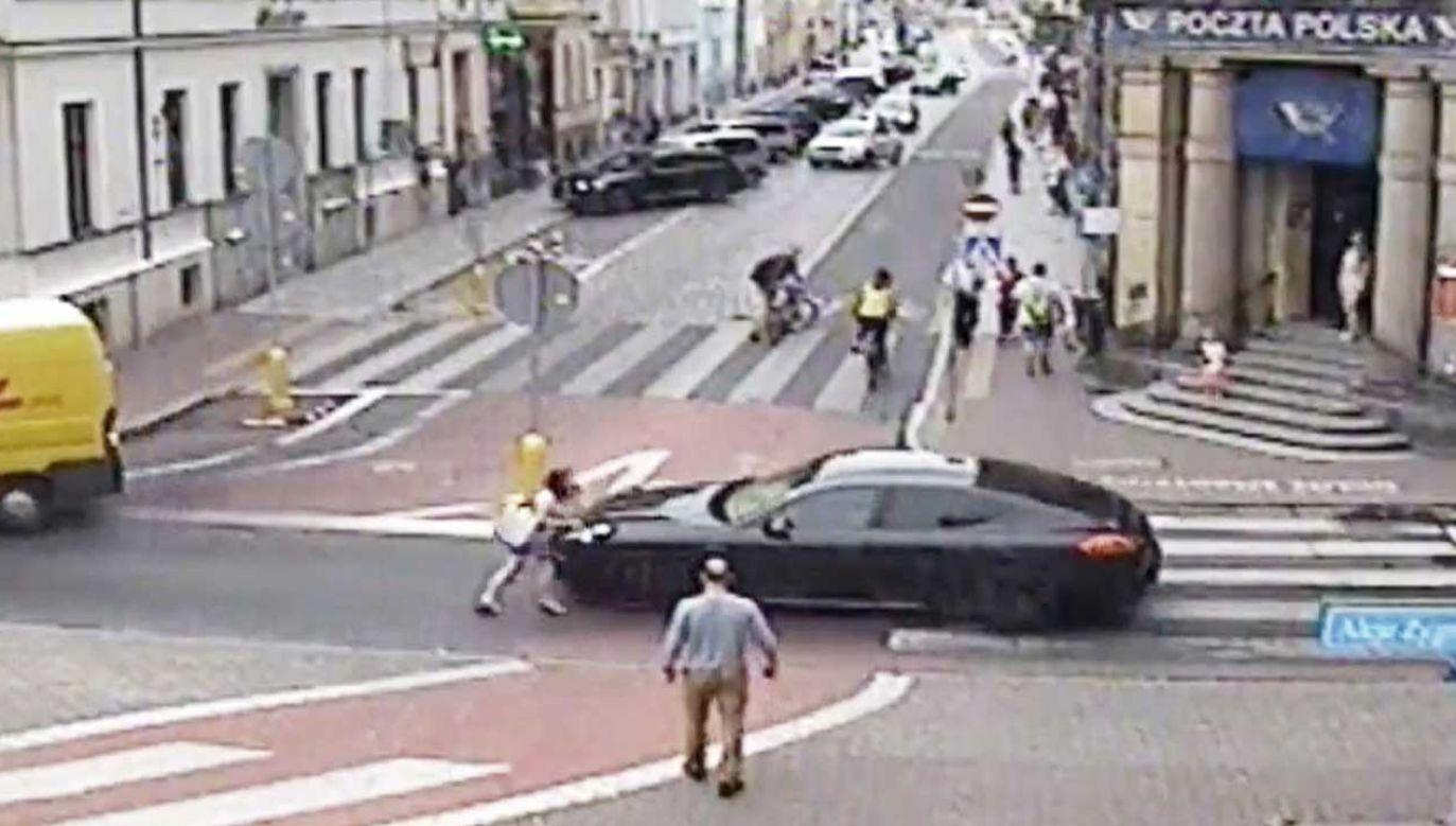 Zajście miało miejsce w lipcu na jednej z ulic Leszna (fot. TVP info)