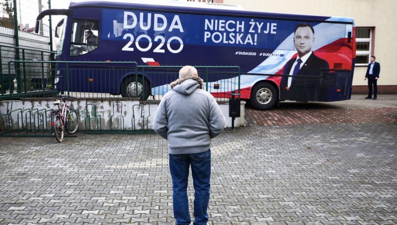 Andrzej Duda będzie jeździł po kraju i spotykał się z wyborcami (fot. Beata Zawrzel/NurPhoto via Getty Images)
