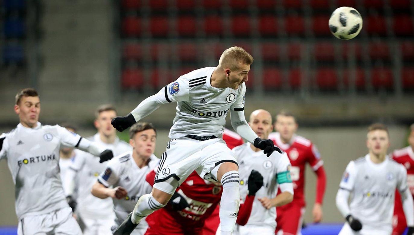 Piłkarze rezerw Legii chcą rozstrzygnięcia kwestii awansu na boisku (fot. PAP/Leszek Szymański)