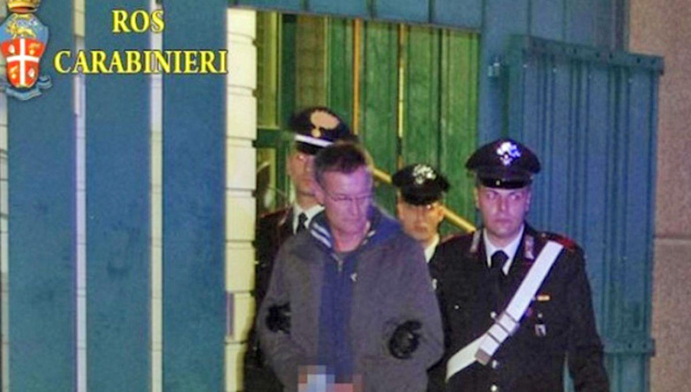 Massimo Carminati prowadzony przez włoską policję (fot. Carabinieri Ross)