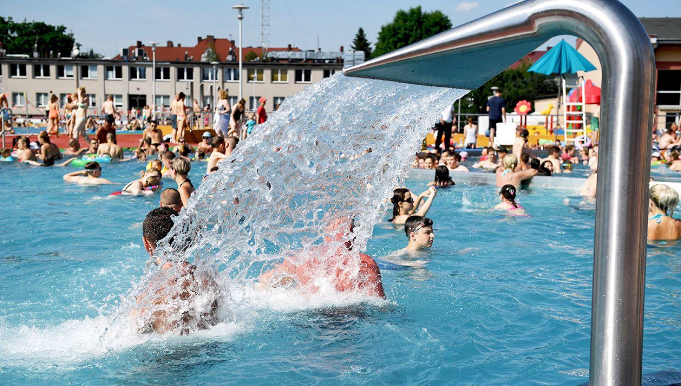 Temperatura powietrza miejscami może wzrosnąć nawet do 35 st. C (fot. PAP/Darek Delmanowicz)