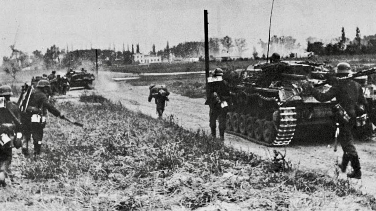 Jak pisze Przemysław Żurawski vel Grajewski, starcie militarne z III Rzeszą było nieuniknione (fot. Photo12/Universal Images Group via Getty Images)