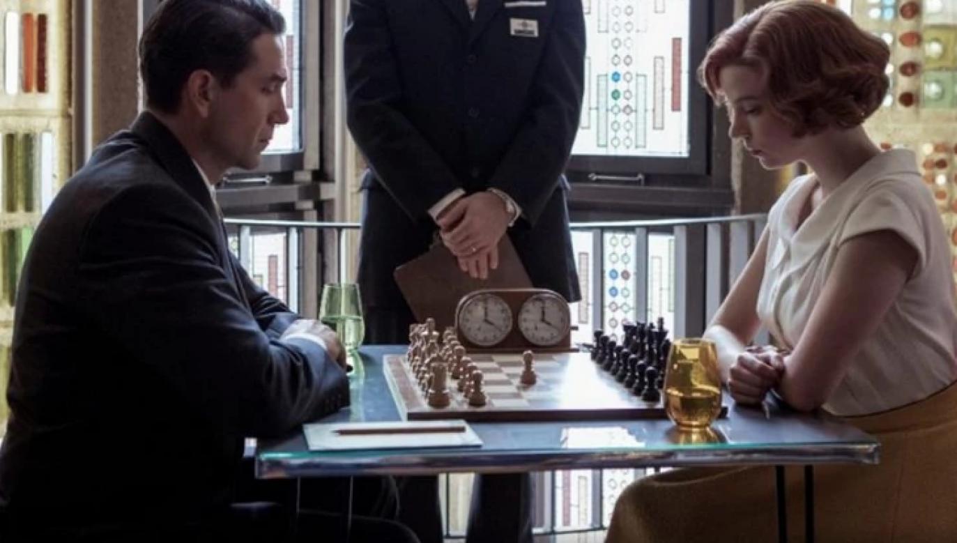 "Anya Taylor-Joy and Marcin Dorociński as Elisabeth Harmon and Vasily Borgov in ""Queen's Gambit"". Photo: Press Materials"