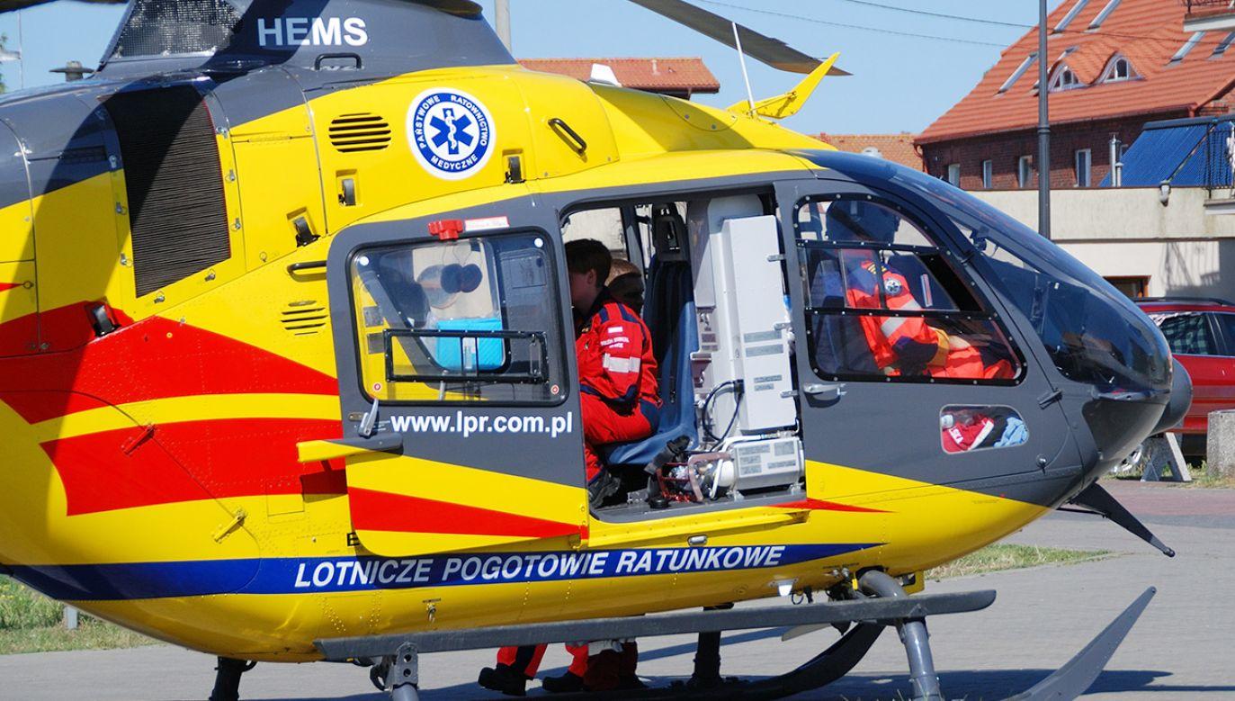 Śmigłowiec LPR zabrał go nieprzytomnego do szpitala (fot. Shutterstock)