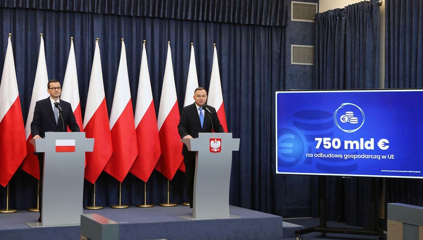 Wspólne oświadczenie szefa rządu i głowy państwa (fot. PAP/Eliza Radzikowska-Białobrzewska/KPRP)