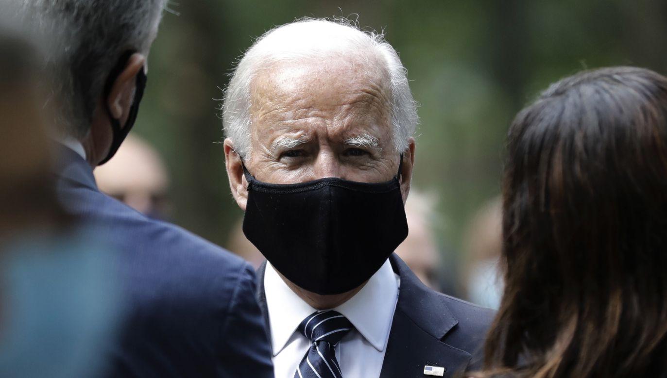 """Joe Biden powiela teorię o """"strefach wolnych od LGBT"""" (fot. PAP/PAP/EPA/PETER FOLEY)"""