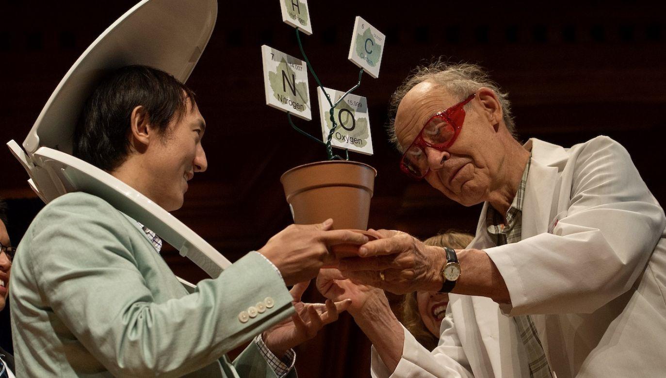 Ceremonia wręczenia nagród Ig Nobel, która odbyła się w Sanders Theatre w USA 17 września 2015 r.  (fot. arch.PAP/EPA/CJ GUNTHER)