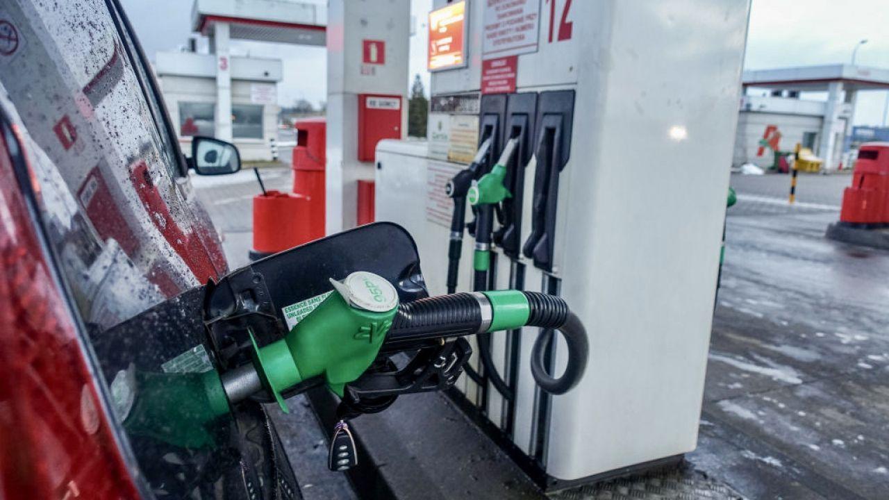 Benzyna zdrożała, a autogaz nieco staniał (fot. M.Fludra/NurPhoto/Getty Images)