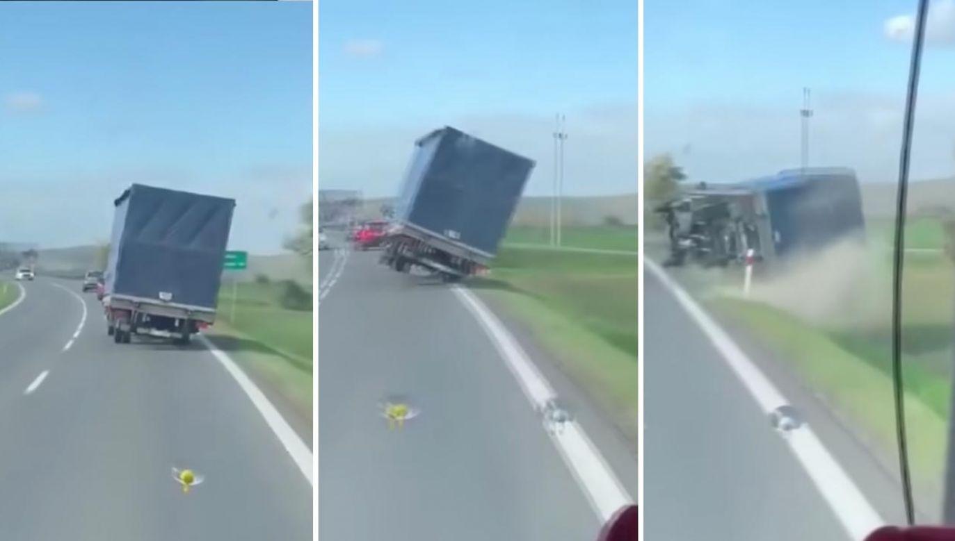 Wiatr zmiótł samochód z drogi na Dolnym Śląsku (fot. YouTube/wwwswidnica24pl)