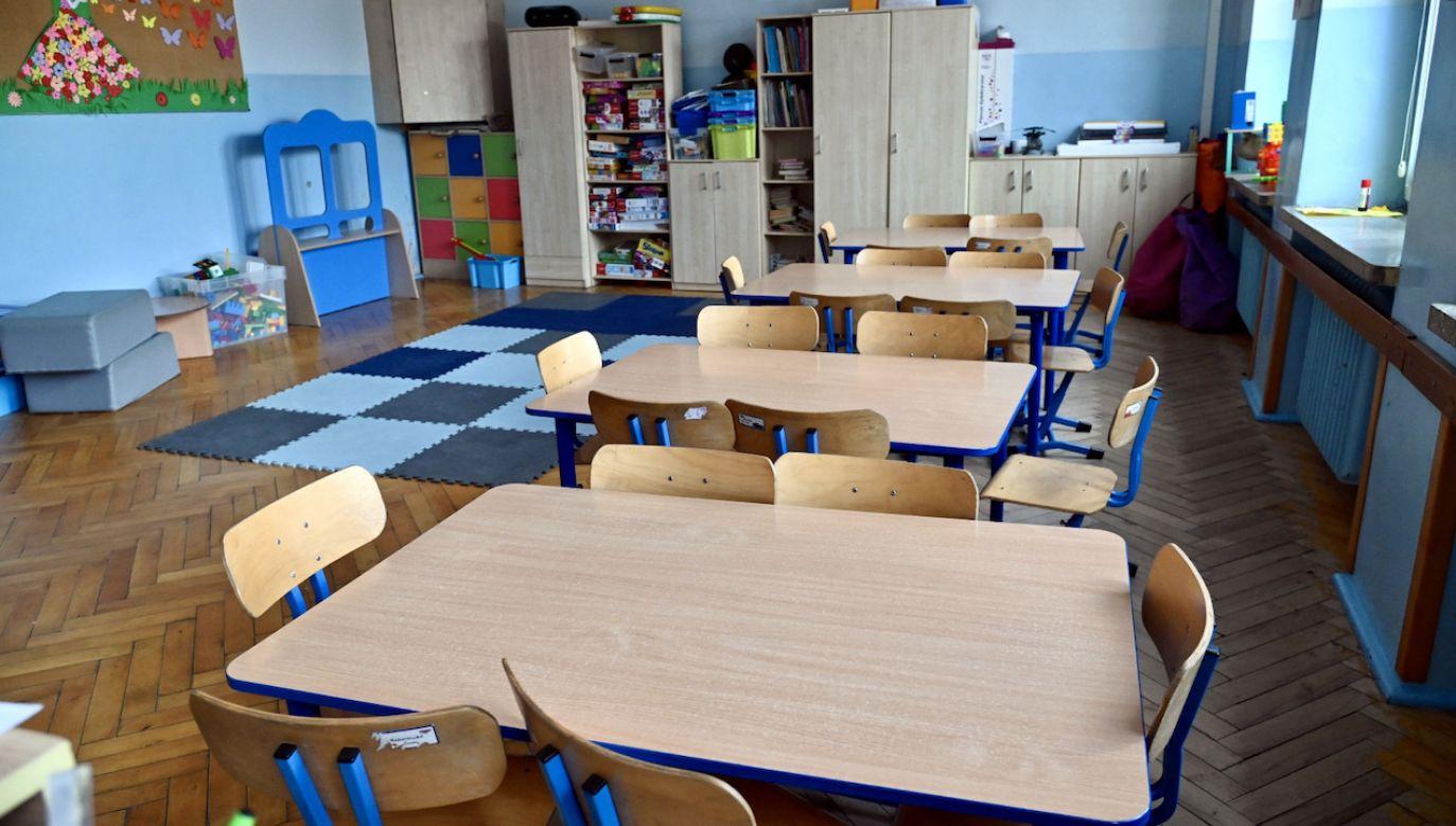 Kiedy dzieci wrócą do szkół, żłobków i przedszkoli? (fot. PAP/Marcin Bielecki)